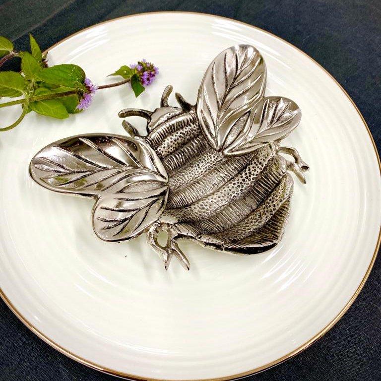 Bee-autiful Tableware...